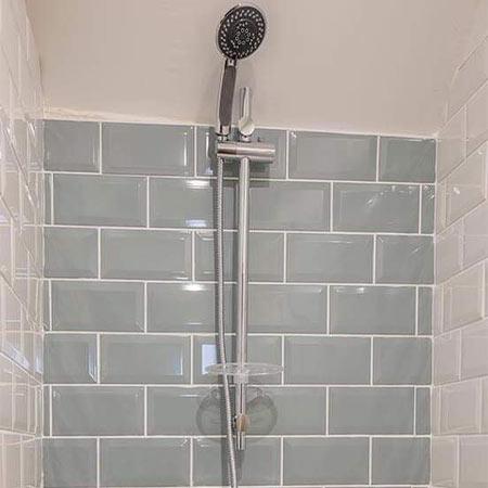 rohan suite shower